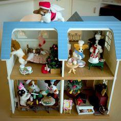 .@momos_gallery | I made a papillon Santa Claus for my Papillon house , Needle Felting | Webstagram