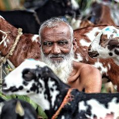 """""""Vendor with the goats in Bakra Mandi at Jama Masjid in New Delhi. The goats are ready to be sold to families for Qurbani during  Eid. #eid #bakraeid #delhi #India #Asia #dfordelhi #delhigram #indiaphotostory #indiapicture #master_shots #streetdreamsmag  #gettyreportage #reportagespotlight #photojournalism #photooftheday #yourshotphotographer #instagood  #indianphotography #thephotosociety"""" by @vijaypandeyofficial. #ganpatibappamorya #dilsedesi #aboutlastnight #whatiwore #ganpati…"""