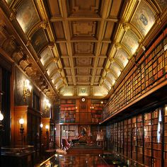 Library at Chateau de Chantilly