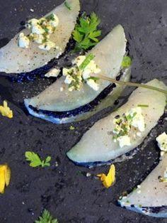 Ravioles de chou rave, crème d'artichaut, œufs de lump Chou Rave, White Food, Eggplant, Zucchini, Vegetables, January, Ravioli, Healthy Recipes, Root Vegetables