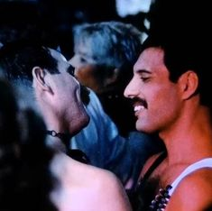 Music box - I was born to love you - Freddie Mercury FB Jim Hutton Freddie Mercury, Queen Freddie Mercury, Freddie Mercury Birthday, Freddie Mercury Quotes, King Of Queens, Love Of My Life, My Love, Roger Taylor, True Legend