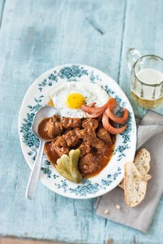 Coachman's Goulash owes its name to the ever-hungry coachmen who drive the famous carriages (or 'fiacres') around #Vienna, #Austria. The #beef ragout is topped with a garnish of sausage and fried egg – while its rich juice is permeated with sweet paprika powder. Check out the recipe on #tastingeurope, #visiteurope
