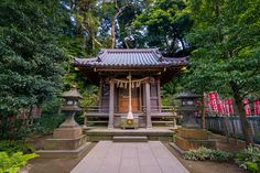 A humble little shrine sits peacefully and undisturbed in Enoshima, Japan. Japanese Shrine, Japanese Buildings, Human Reference, Minecraft Projects, Japan Photo, Anime Scenery, How To Take Photos, Animal Crossing, Gazebo