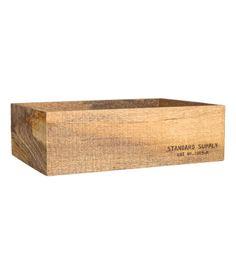 Natur. Großer Aufbewahrungskasten aus Holz mit Textdruck auf der einen Seite. Größe 10x23,5x35 cm.
