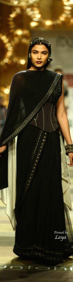 Tarun Tahiliani Fall/Winter 2014-15 Black corseted saree / Indian Designer