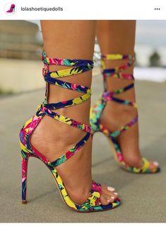 online store 1aa15 d3420 7 tendencias de sandalias para época de calor - Mujer de 10 Zapatos De  Colores,