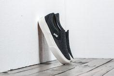 Vans Classic Slip-On Platform (Embossed) Black/ Blanc De Blac za skvělou cenu 1 590 Kč koupíte na Footshop.cz