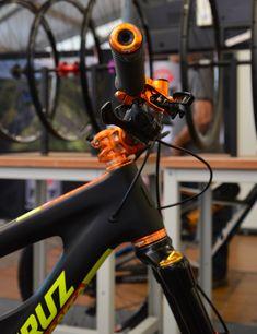 Bikecheck: Santa Cruz Nomad c Edition Hope Orange Mens Mountain Bike, Mountain Biking, Road Bikes, Cycling Bikes, Santa Cruz Nomad, Bike Components, Fat Bike, Bike Parts, Bike Accessories