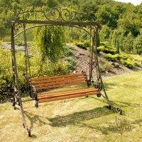 Handgeschmiedete Möbel für den Garten Besonders wenn Sie in einer Großstadt leben, ein schöner Garten mit stilvollen Möbel kann die Seele Ihres Hauses sein.   In unseren Schauräumen als auch in unserm Online Katalog finden Sie eine einzigartige Kollektion von handgeschmiedeten Gartenmöbel. Ganz sicher findet hier jeder etwas entsprechend seines Geschmackes und Beschaffenheit des Gartens. Von Alt-Viktorianisch hin zu Supermodern, von dem romantischen Träumer, hin zu den praktischen Gärtner…