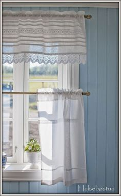 58 Best Ideas For Kitchen Farmhouse Curtains Shabby Chic Farmhouse Curtains, Country Curtains, Cafe Curtains, Kitchen Curtains, White Curtains, White Cottage, Cozy Cottage, Cottage Style, Home Decor Ideas