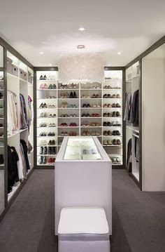 Ten top tips for taming your wardrobe click here http://thatgirlsgotstyle.blogspot.co.nz/