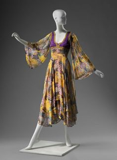 Dress Thea Porter, 1970s The Museum of Fine Arts, Boston   I need to make one.