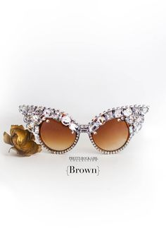 37953e3ad Vintage Classic Retro Cateye Sunglasses with Encrusted Rhinestones,  Embellished sunglasses, crystal Retro Vintage,