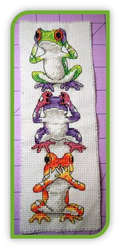 Frogs...Might have to find this pattern or something like it for a certain niece :-)