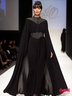 Like the idea of a cape and abaya Islamic Fashion, Muslim Fashion, Modest Fashion, Fashion Dresses, Maxi Dresses, Abaya Designs, Abaya Mode, Mode Hijab, Abaya Style