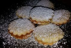 10 perces linzer Hungarian Recipes, Biscotti, Deserts, Muffin, Good Food, Food And Drink, Favorite Recipes, Sweets, Cookies