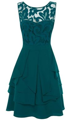 Love the look, cut, and color of this dress Oooooo I wish I could get one of these!!!!!!!! 8)