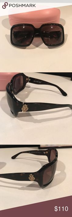 Juicy Couture sunglasses Gently used Juicy Couture sunglasses- some wear and tear. The glasses are a bit loose but could be easily tightened with a small screwdriver. Juicy Couture Accessories Sunglasses