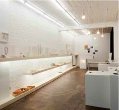 Beyond Fashion is a gallery specialized in contemporary jewellery and products.  The gallery represents a selection of Belgian and international designers who are comitted to develop products that are one of a kind.