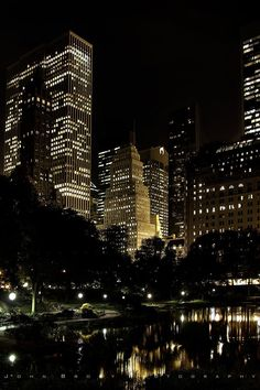 New York Life, Nyc Life, Night Aesthetic, City Aesthetic, Travel Aesthetic, Central Park Nyc, City Vibe, Night Vibes, City Wallpaper