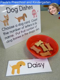 Faire biscuits Fun preschool or kindergarten activities and ideas for learning about cats and dogs. (Includes Pete the Cat color walk and groovy button counting) Preschool Lesson Plans, Kindergarten Activities, Preschool Activities, Preschool Curriculum, Choosing A Dog, Pet Vet, Creative Curriculum, Dog Cards, Dog Activities
