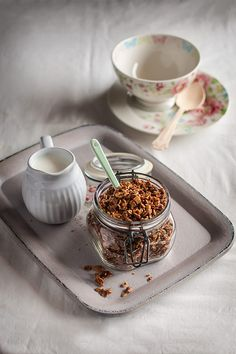 Mezcla de copos de avena para el desayuno que se tuestan y caramelizan con frutos secos, miel, sirope de arce y azúcar. Receta paso a paso con fotografías. Muesli, Food Inspiration, Sweet Recipes, Healthy Life, Panna Cotta, Sweet Treats, Pudding, Favorite Recipes, Sweets