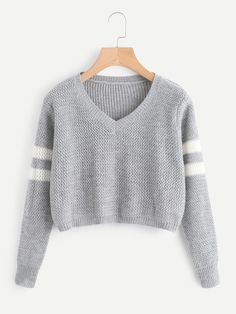 Shein Varsity Striped Crop Sweater - Varsity Striped Crop Jumper -SheIn(Sheinside) Source by - Cute Comfy Outfits, Trendy Outfits, Fall Outfits, Crop Pullover, Cropped Sweater, Sweater Cardigan, Gray Sweater, Pull Court, Jugend Mode Outfits