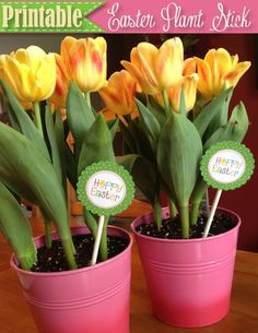 """Free Easter Printable: Dress up a potted plant or bouquet of flowers with this """"Happy Easter"""" plant stick! This tag can also be used for treat bags or as a cupcake topper."""