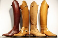 Petrie ridingboots. I love the left and the right one !