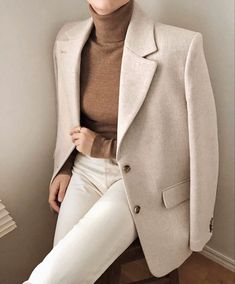 Stickning to my neutrals 🦢 Classy Outfits, Trendy Outfits, Winter Outfits, Mode Outfits, Fashion Outfits, Womens Fashion, Fashion Clothes, Fashion Ideas, Fashion Tips