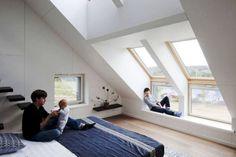 Totally Inspiring Attic Bedroom Designs Ideas 07