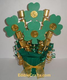St Patrick's Day crafts - DIY Shamrock candy bouquet