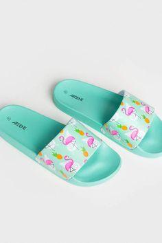 Fancy Shoes, Cute Shoes, Women's Shoes Sandals, Shoe Boots, Slide Sandals, Sneakers Fashion, Fashion Shoes, Cute Sleepwear, Fashion Slippers