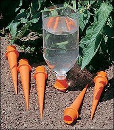 watergeefsysteem met lege flesjes, handig (met vakanties)