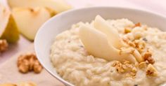The pear, walnut and blue cheese risotto is a delicacy for sweet and sour lovers… try it and you'll be surprised! This risotto recipe, made with blue cheese, pears and walnuts is a delicacy for sweet and sour lovers… let's see how to do! Risotto Recipes, Wok, Fusion Food, Recipe Steps, Cereal Recipes, Sweet And Spicy, Food Videos, Italian Recipes, Salads