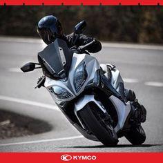 XCiting 400i ile şehrin trafiğinden kurtulma, konforlu sürüş deneyimleri yaşama zamanı. www.kymco.com.tr