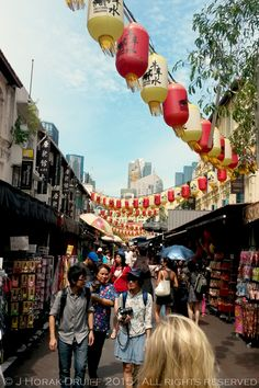 Shopping in Chinatown - one of the ways to explore Singapore's amazing cultural diversity - Cooksister | Food, Travel, Photography