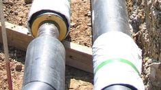 Het is heel moeilijk voor gemeenten om bestaande bebouwing over te laten schakelen van gas naar warmtenetten. Dat blijkt uit een onderzoek van het Planbureau voor de Leefomgeving (PBL). De kosten zijn hoog en de wettelijke middelen van gemeenten zijn beperkt, stelt het PBL.  Diverse gemeenten hebben plannen liggen om de afhankelijkheid van aardgas te verminderen. Het PBL onderzocht 10 gemeenten waar al een warmtenet is of waar vergevorderde plannen zijn om er een aan te leggen.