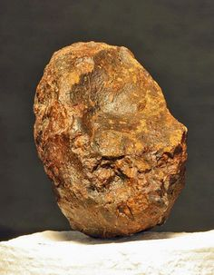 Jim Kriegh's Favorite Gold Basin Meteorite Specimen Crystals And Gemstones, Stones And Crystals, Meteor Rocks, Meteorite For Sale, Rock Identification, Indian Artifacts, Cool Rocks, Rock Collection, Mineral Stone