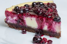 Cheesecake with berries Cheesecakes, Yummy Cakes, Cake Pops, Berries, Food And Drink, Cupcakes, Sweets, Cooking, Desserts