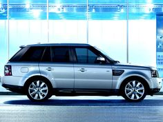 The new 2013 Range Rover Sport!! This in white with black rims and tint !! Yes pleaseeeee