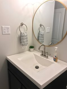 Bathroom Decorating – Home Decorating Ideas Kitchen and room Designs Round Mirrors, Gold Mirror Bathroom, Master Bathroom, Vanity Bathroom, Grey Bathrooms, Bathroom Renos, Bathroom Ideas, Vanities, Ideas