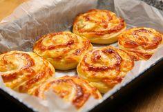 7 eszméletlenül sajtos süti, amit nem lehet abbahagyni! Croissant Bread, Hungarian Recipes, Canapes, Winter Food, Baked Potato, French Toast, Bakery, Muffin, Food And Drink