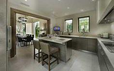 Realisations • Dothy Design Création d'une cuisine Chêne brut, teinté brun grisé, pierre couleur sable
