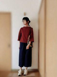 ユニクロのモックネックT買いました♡ 着やすさはTシャツだけど、丈が短めでワイドスリーブになっている