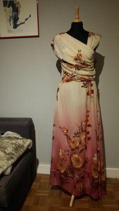 fluide asymtrique robe fluide prune compagnie asymtrique en superbe robe en mousseline robes bordeaux burgundy burgundy marsala