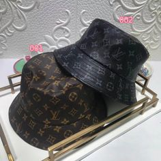 Trendy Accessories, Fashion Accessories, Outfits With Hats, Cute Outfits, Stylish Caps, Gucci Brand, Accesorios Casual, Quirky Fashion, Cute Hats