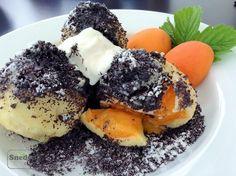Tvarohové knedlíky s meruňkami a mákem