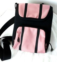 Timbuk2 Valentines Day PINK Small Tablet T-Pack Bag Sleeve 8.9 Screen cross body #Timbuk2 #MessengerCrossBody