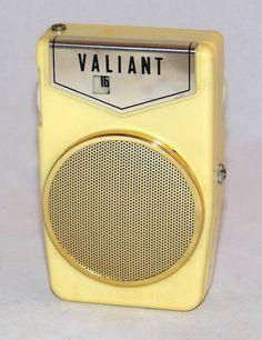 https://flic.kr/p/AhrdBe | Vintage Valiant Two-Transistor Boy's AM Radio, Model HT-2032, Made In Japan, Circa 1960s